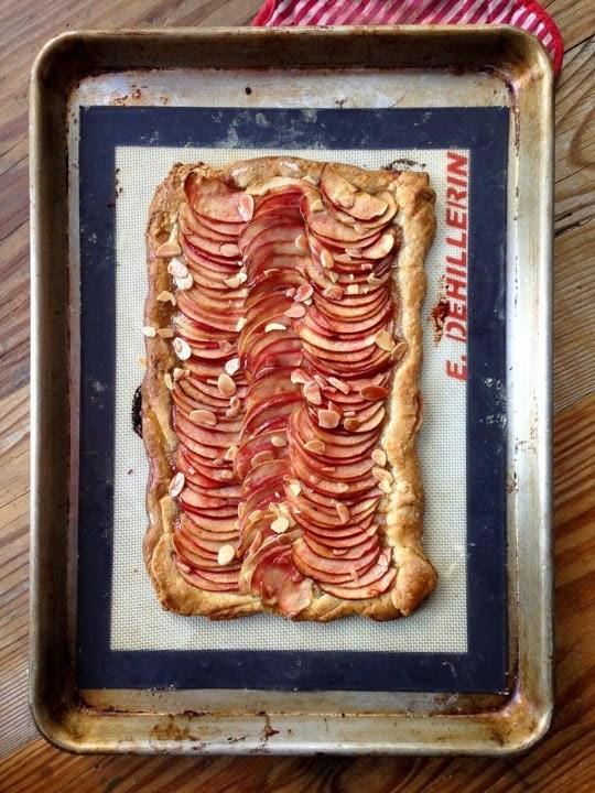 http://www.thekitchn.com/recipe-freeform-apple-tart-recipes-from-the-kitchn-108028